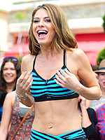 Stars' Get-Fit Fashions | Maria Menounos