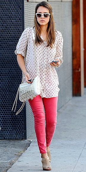DOTTED LINE photo | Jessica Alba