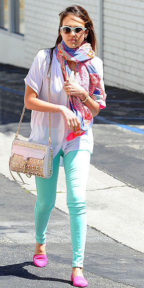 PRETTY IN PASTELS photo | Jessica Alba