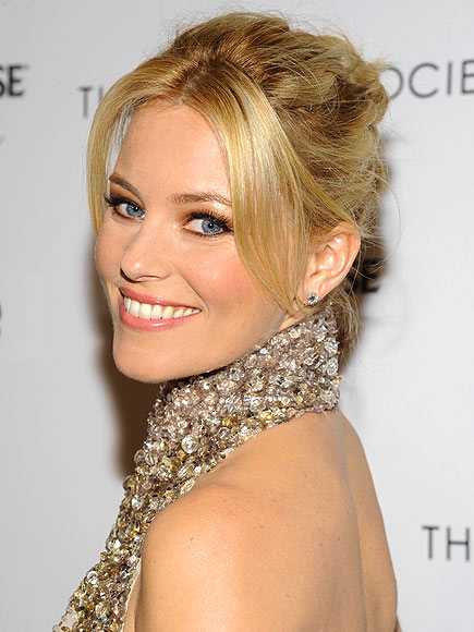 THE MODIFIED BALLET BUN photo | Elizabeth Banks