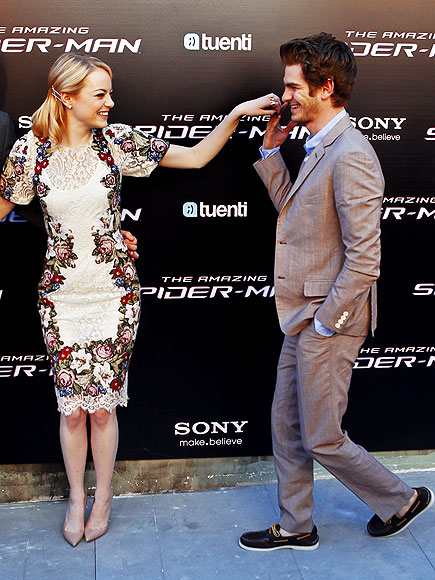 MUY CALIENTE IN MADRID photo | Andrew Garfield, Emma Stone