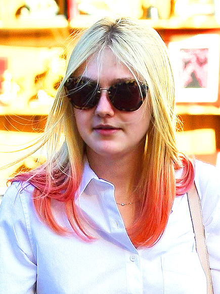DAKOTA TAKES A DIP photo | Dakota Fanning
