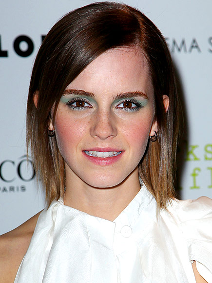 GREEN EYE SHADOW photo | Emma Watson