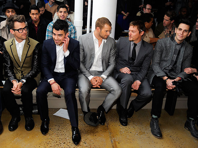 SIMON SPURR FRONT ROW photo | Joe Jonas, Kellan Lutz