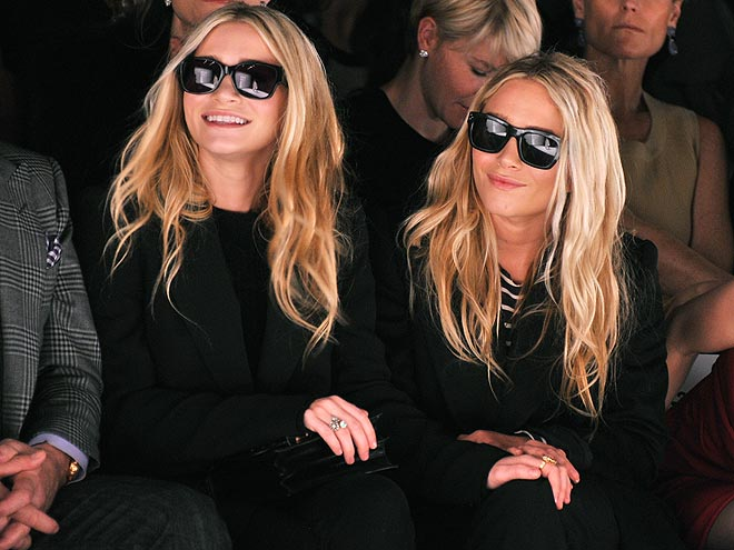 ASHLEY & MARY-KATE OLSEN photo | Ashley Olsen, Mary-Kate Olsen