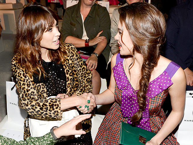 ALEXA CHUNG & HAILEE STEINFELD photo | Alexa Chung, Hailee Steinfeld