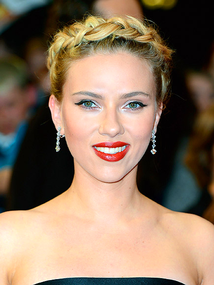 DON'T FEAR BROW LINER photo | Scarlett Johansson