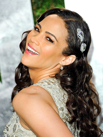 USE BRONZER AS EYE SHADOW (REALLY!) photo | Paula Patton