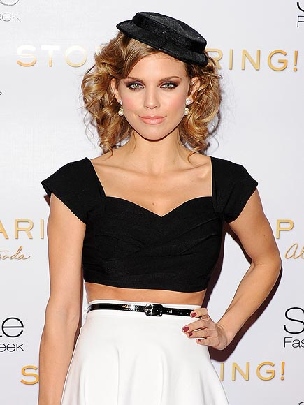 TINY TOPPER photo | AnnaLynne McCord