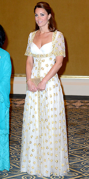 ANOTHER WHITE MCQUEEN photo | Kate Middleton