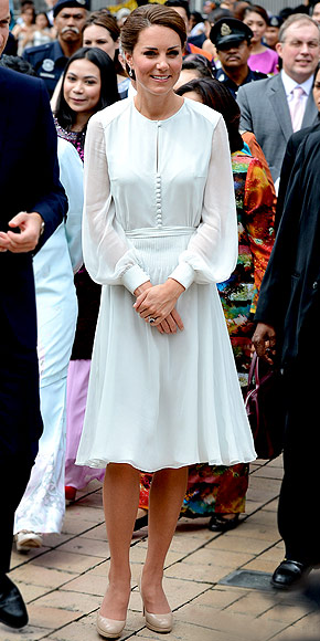 FLOATY & FLIRTY photo | Kate Middleton