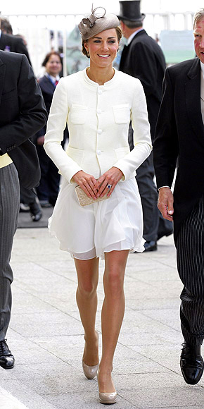 WHITE OUT   photo | Kate Middleton