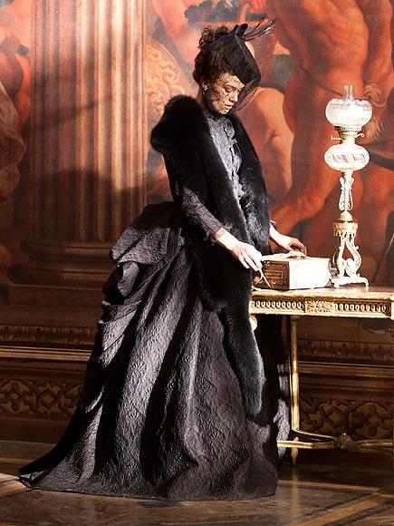Keira Knightley Anna Karenina Costumes : People.com
