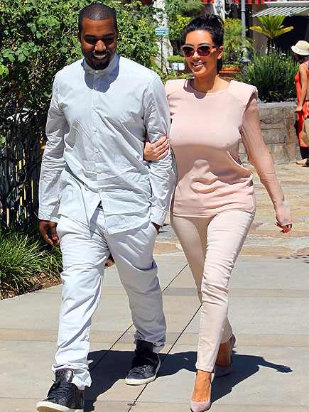 PASTEL PAIRING photo | Kanye West, Kim Kardashian