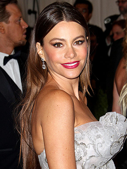 SOFIA VERGARA'S KNOCKOUT LIPS