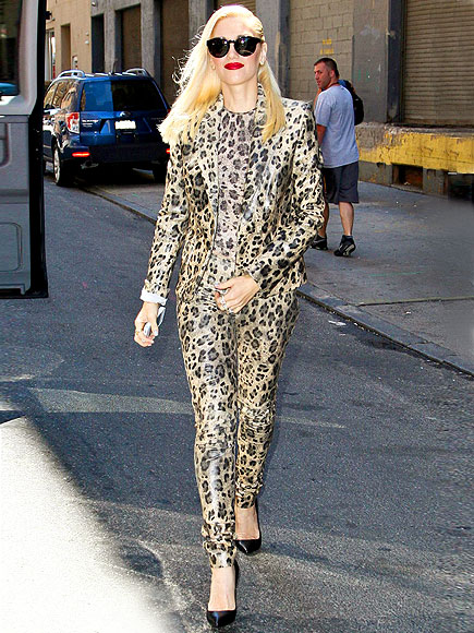 HEAD-TO-TOE ANIMAL PRINT photo | Gwen Stefani