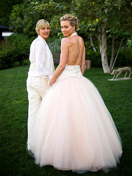 Kaley cuoco wedding dress celebrity pink wedding dresses for Portia de rossi wedding dress