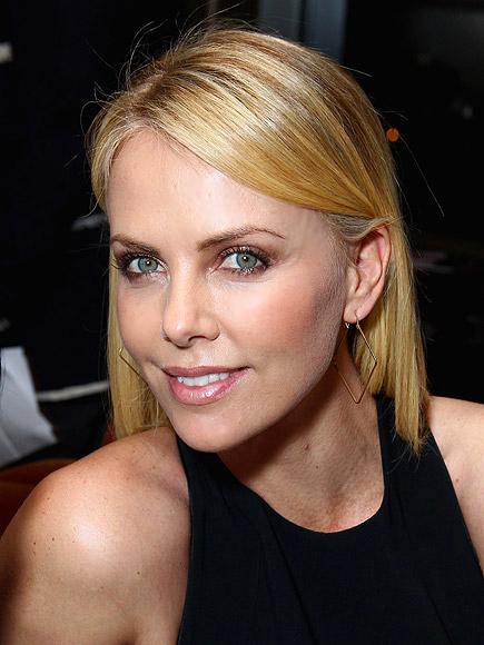 CHARLIZE THERON IS A-PEELIN' photo | Charlize Theron