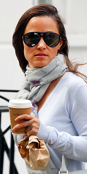 MILITARY-INSPIRED AVIATORS photo | Pippa Middleton
