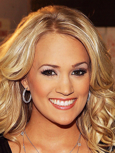 BEAUTY QUEEN photo | Carrie Underwood