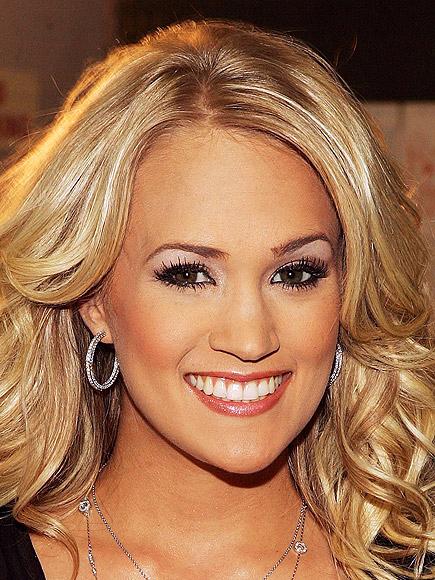BEAUTY QUEEN photo | Carrie Underwood