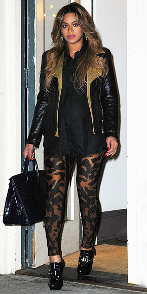 ANIMAL-PRINT LEGGINGS photo | Beyonce Knowles