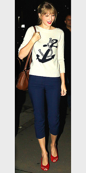 NAUTICAL-INSPIRED TOPS   photo | Taylor Swift