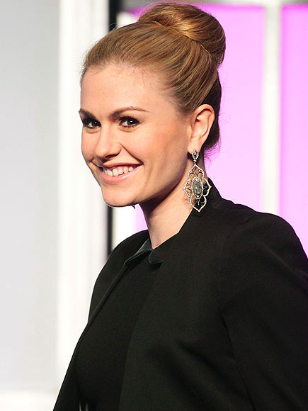 SLEEK FULL BUN photo | Anna Paquin