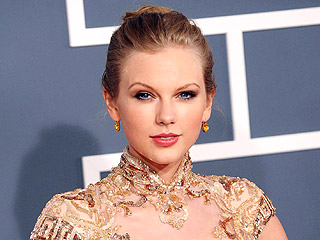 DIY Grammys 2012 Beauty Looks | Taylor Swift