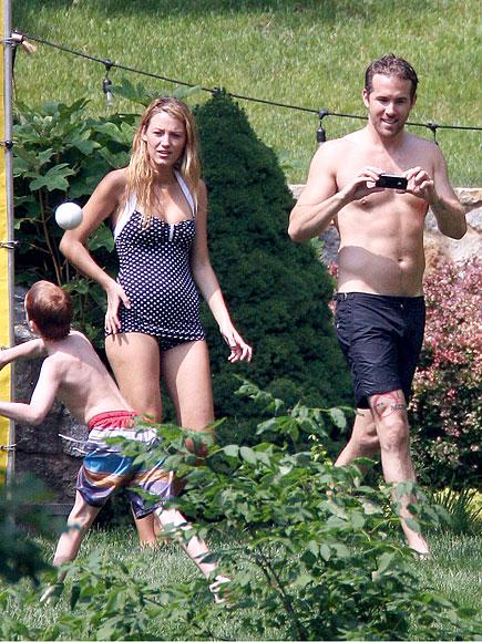 IPHONE 4S photo | Blake Lively, Ryan Reynolds