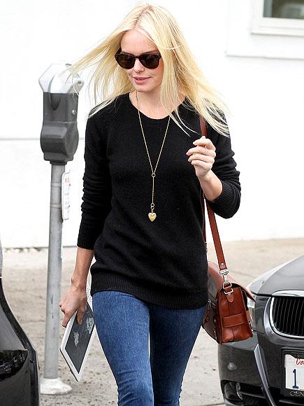 KINDLE DX photo | Kate Bosworth