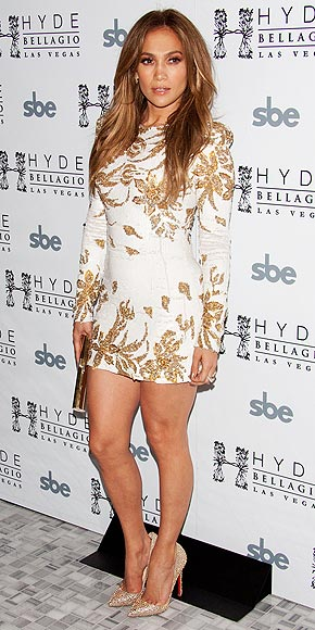 BLINGED-OUT PUMPS photo | Jennifer Lopez