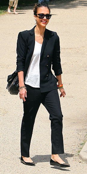 EMBELLISHED POINTY FLATS photo | Jessica Alba