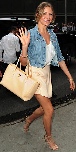 GOOD GIRL: A NEUTRAL HANDBAG photo | Cameron Diaz