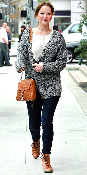 JENNIFER LAWRENCE&#39;S SWEATER photo | Jennifer Lawrence