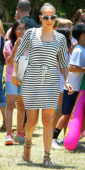 JENNIFER LOPEZ'S STRIPED DRESS photo | Jennifer Lopez
