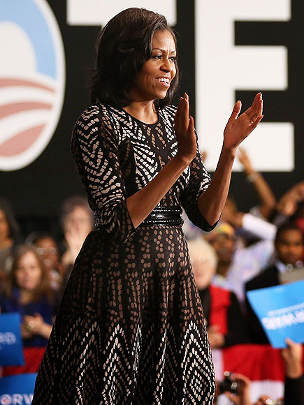 MICHELLE OBAMA'S PRINTED DRESS photo | Michelle Obama