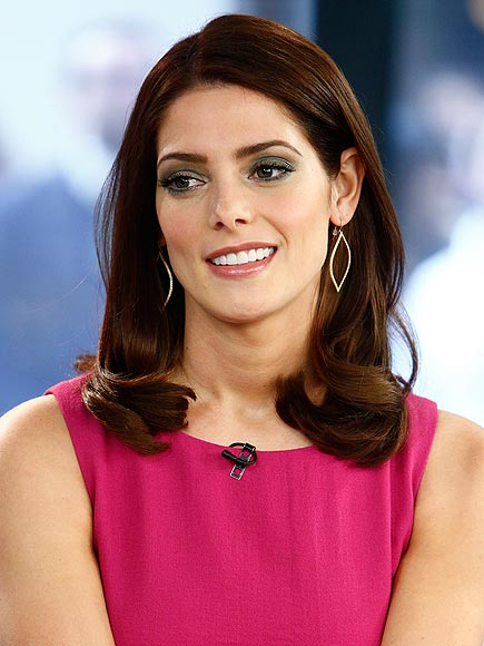 ASHLEY GREENE'S EARRINGS photo | Ashley Greene