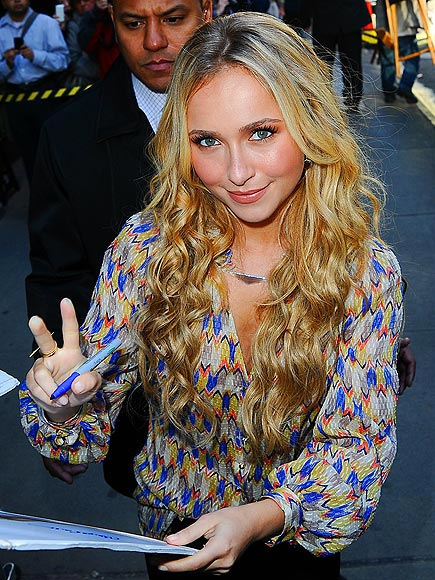 HAYDEN PANETTIERE'S NECKLACE photo | Hayden Panettiere