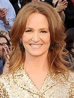 Oscar Stars Talk Getting Undressed | Melissa Leo