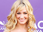 2 Broke Girls Star Beth Behrs Dishes on What Martha Stewart Is Really Like
