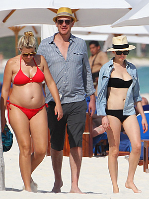 Jason Segel, Michelle Williams, Busy Philipps in Mexico