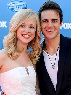 American Idol's Kris Allen Expecting Son
