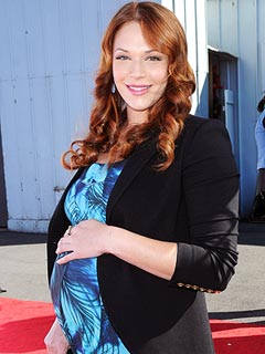 Amanda Righetti Welcomes Son Knox Addison