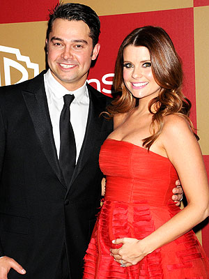 Golden Globes: Nick and JoAnna Garcia Swisher Having a Girl