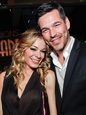 LeAnn Rimes: Eddie Cibrian Can 'Definitely Choose a Gift' | Eddie Cibrian, LeAnn Rimes