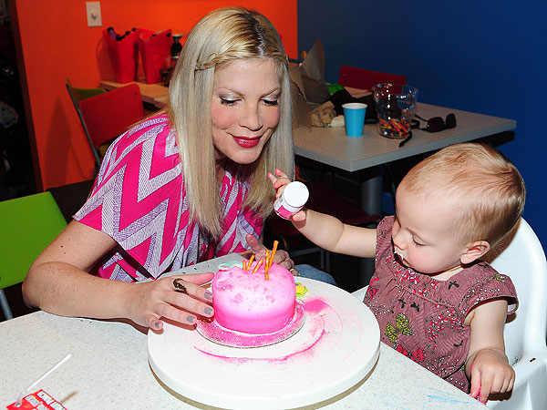 Tori Spelling Make Meaning Opening with Kids