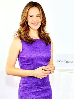 Jennifer Garner Neutrogena Summit Kids Sunscreen