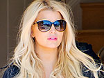 Is Jessica Simpson Wearing Two Different Sneakers?