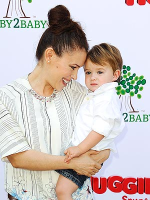 Alyssa Milano Huggies Baby2Baby